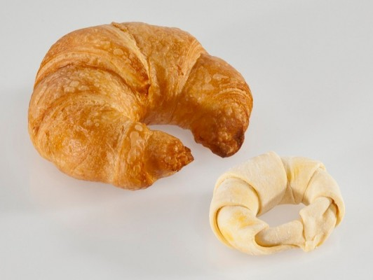 Dairy butter croissants curved *caroteen*