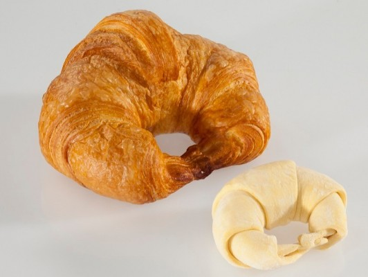 Dairy butter croissants curved XL